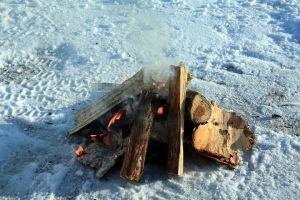 Barbecue Suédois pour faire griller les saucisses