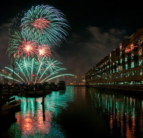 """""""Reflected Fireworks"""" par Bob Jagendorf sur Flick"""